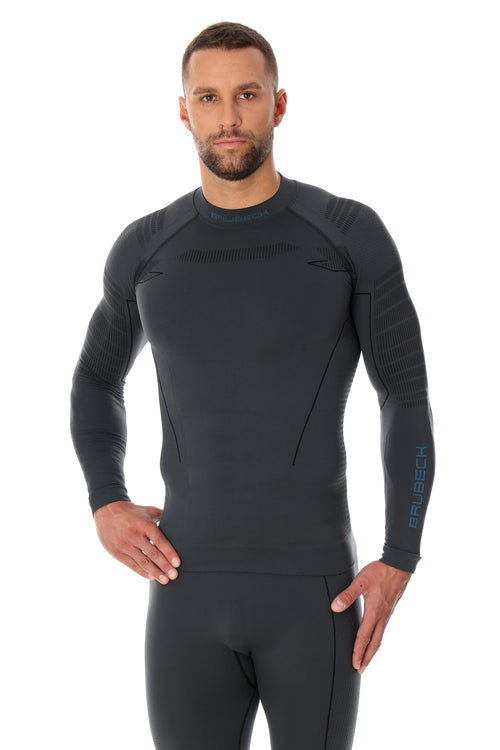 Men's THERMO long-sleeve base layer in graphite grey. With 3D knitted mesh for added ventilation and moisture absorption
