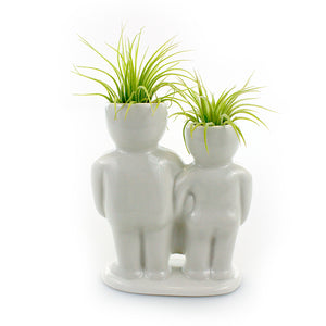 """Couple With Basket"" Air Head White Ceramic Pot Complete Kit With Live Tillandsia Air Plant + ""Hair Spray"" Fertilizer"