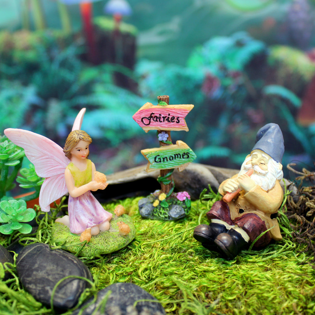"""Fairies and Gnomes"" Garden Sign Kit"