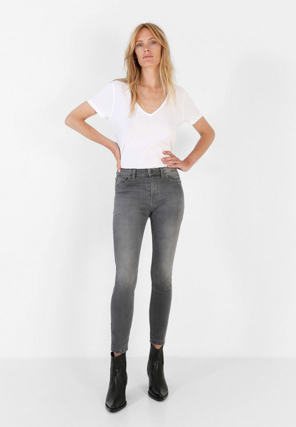 SKINNY JEANS WITH STUDS