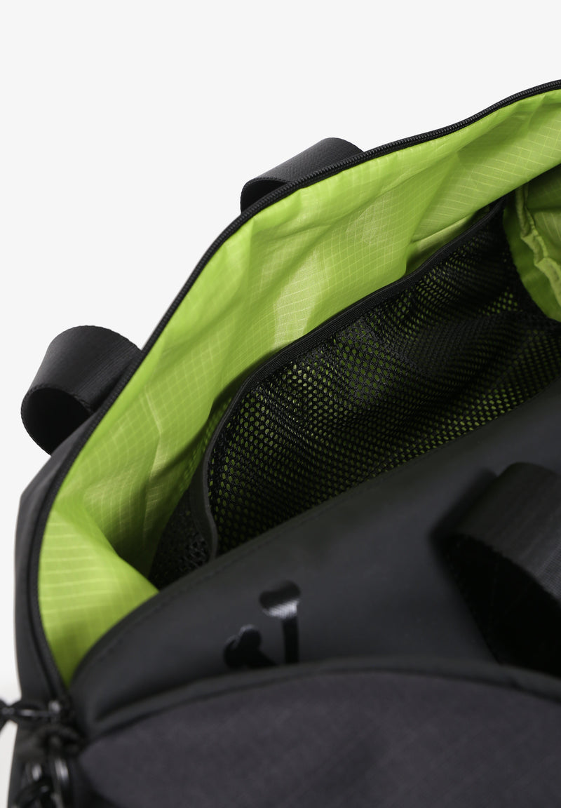 TRAVEL BAG WITH NEON LINING