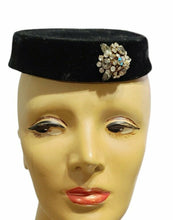 Load image into Gallery viewer, Antique 1900s Edwardian HORSEHAIR Hat
