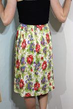 Load image into Gallery viewer, Vintage 1960s Floral Skirt - XS/S