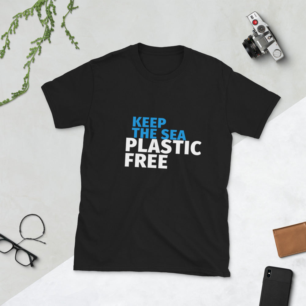 Keep the Sea Plastic Free Men's T-shirt.