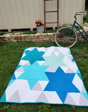 Load image into Gallery viewer, Modern Star Throw Quilt