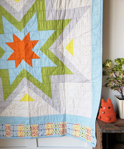 Modern Starburst Toddler Quilt (Preppy)