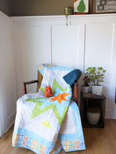 Load image into Gallery viewer, Modern Starburst Toddler Quilt (Preppy)