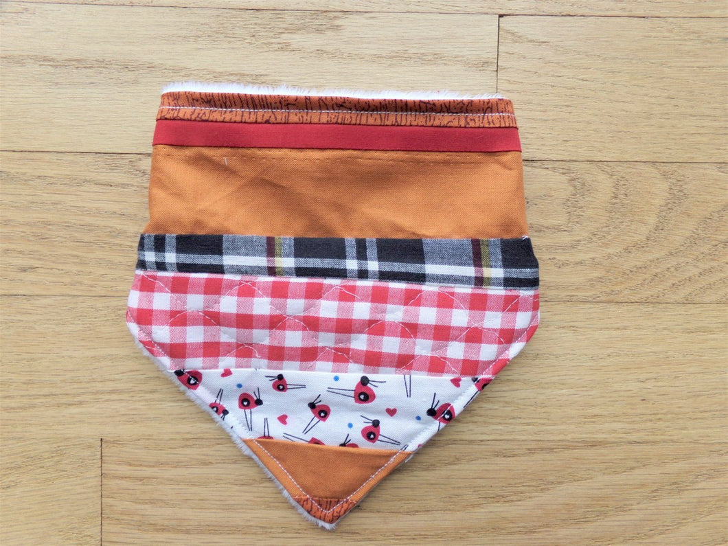 Patchwork Bandanna Baby Bib (Plaid and Wood grain)