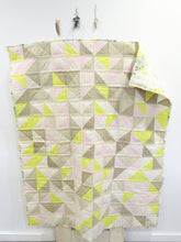 Load image into Gallery viewer, Pearl Bee Confetti Triangle Quilt