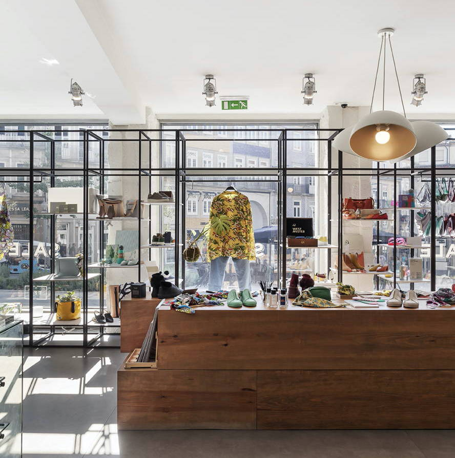 ▪️Concept store in Porto, Lisboa and online ▪️Independent brands and upcoming Portuguese designers ▪️Footwear, clothing and more