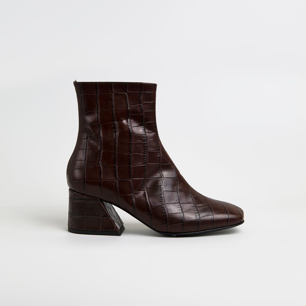 || SAMPLE SALE || DORIC - Brown Leather Square Toe Boots