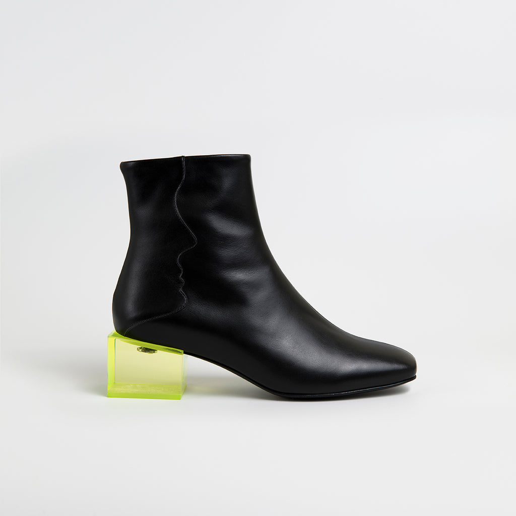 STATUETTE - Black Leather Acrylic Heel Boots