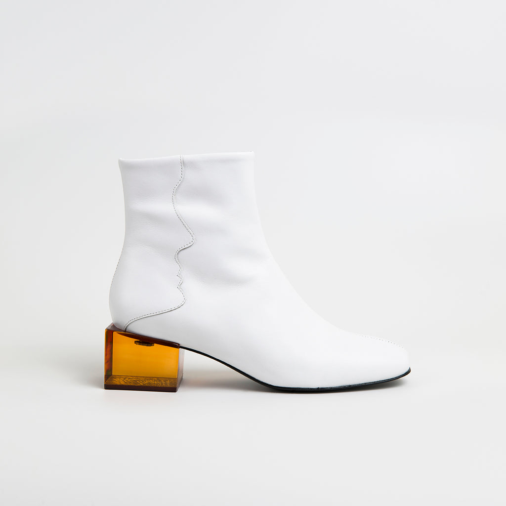 || SAMPLE SALE || STATUETTE - White Leather Mid Heel Boots