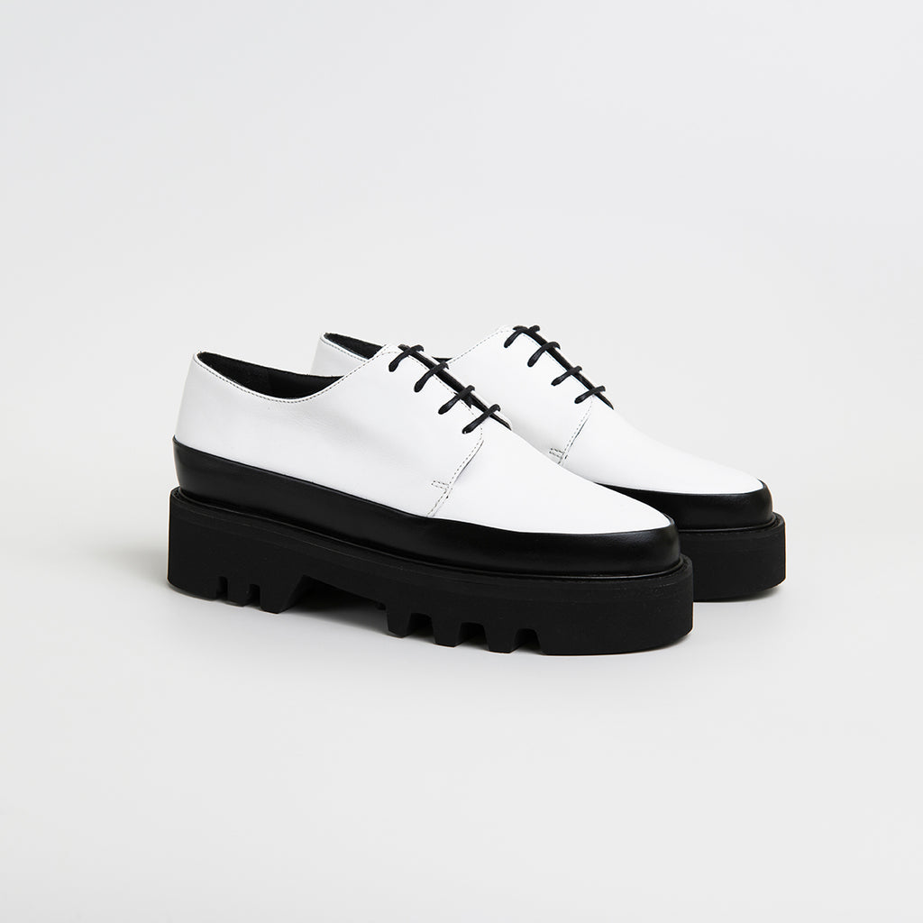 || SAMPLE SALE || STEP UP - White Leather Two Toned Creepers