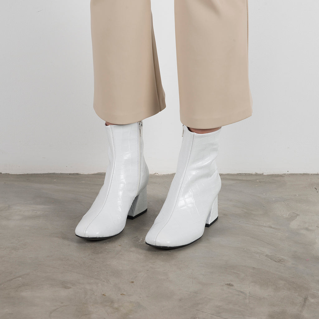 DORIC - White Leather Square Toe Boots