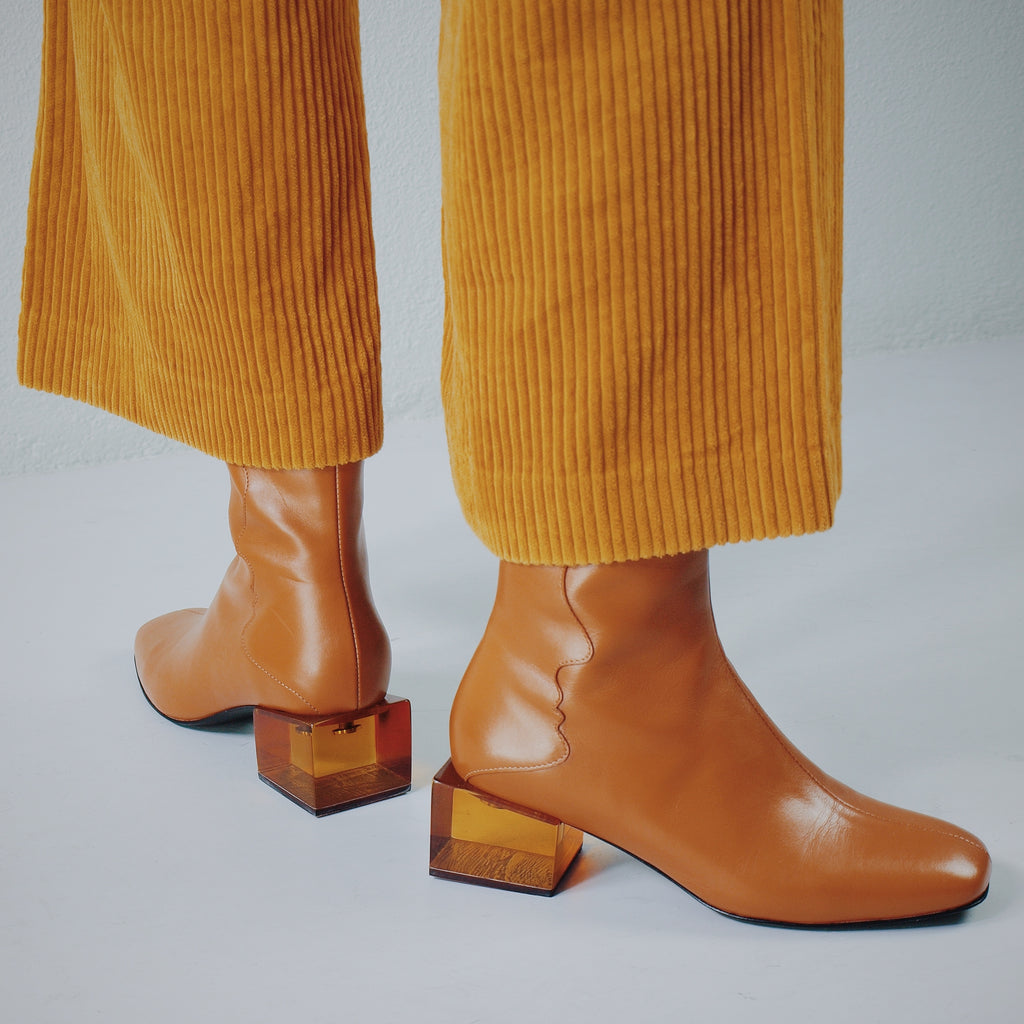 STATUETTE - Camel Leather Acrylic Heel Boots