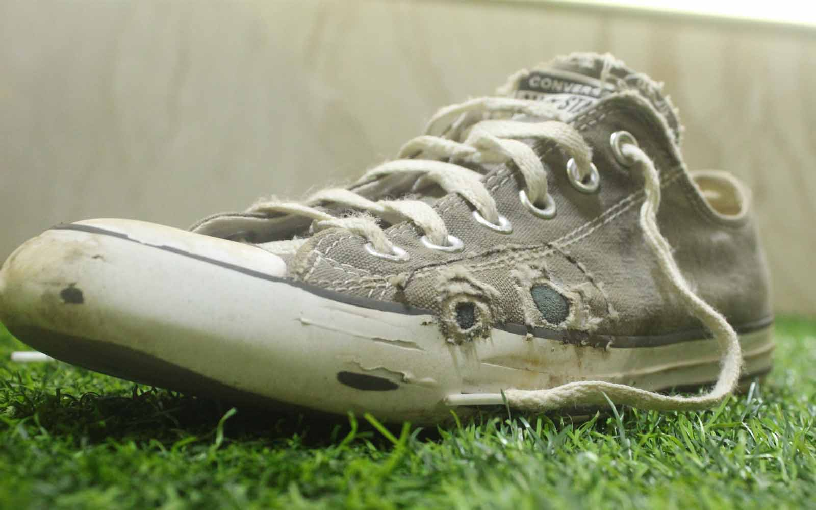Ripped skate shoe