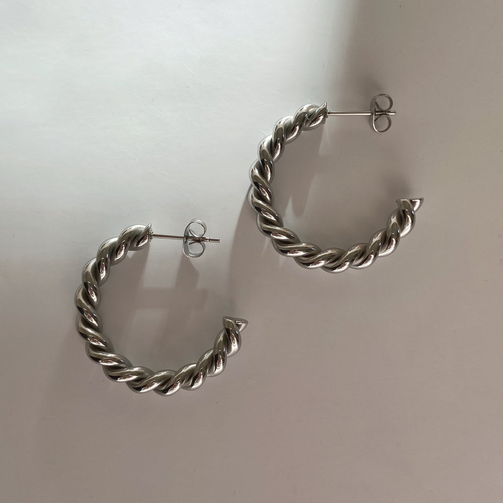 Twist hoops in Stainless steel