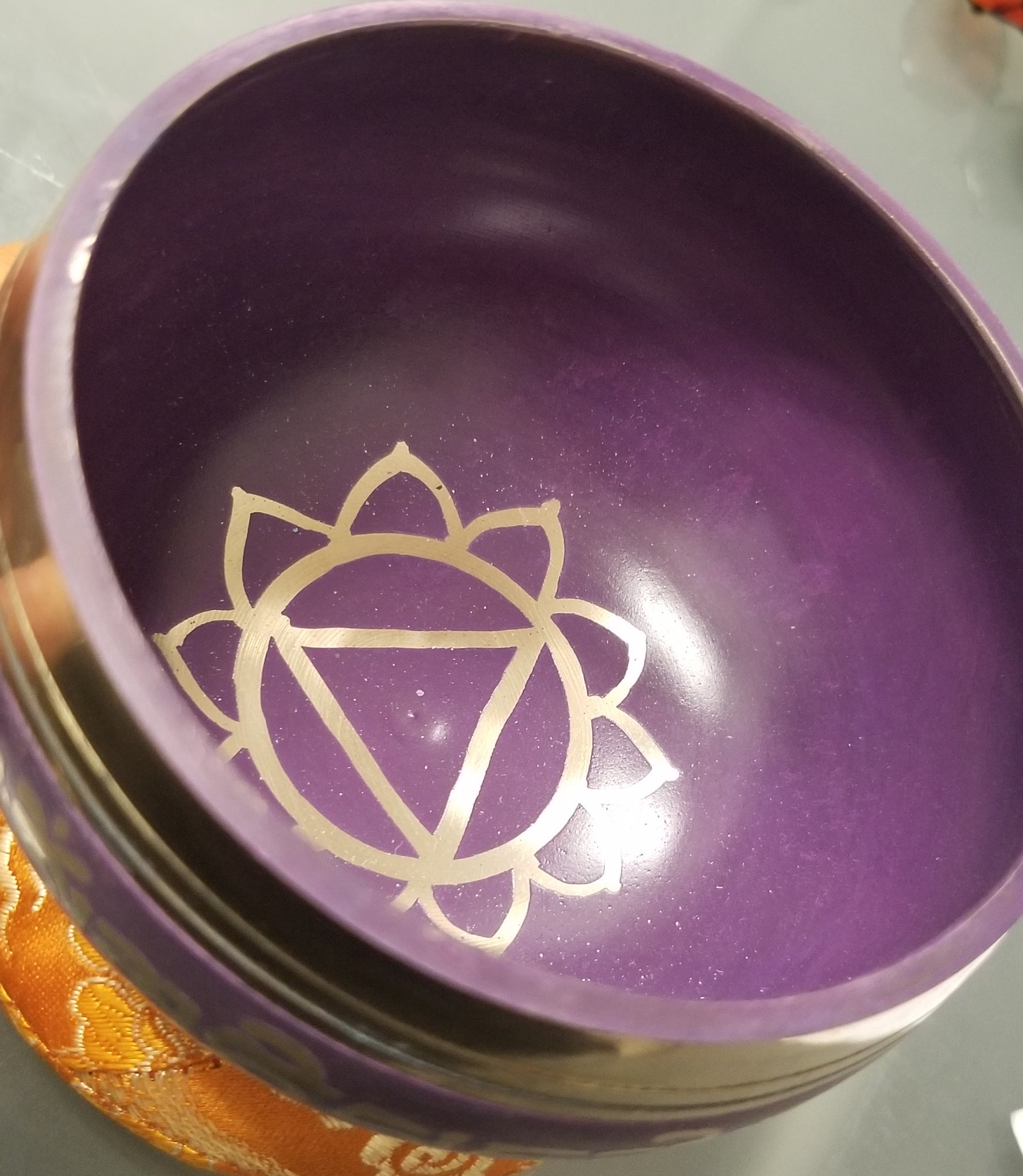 3.5 inch Crown Chakra Tibetan Bowl w/ striker