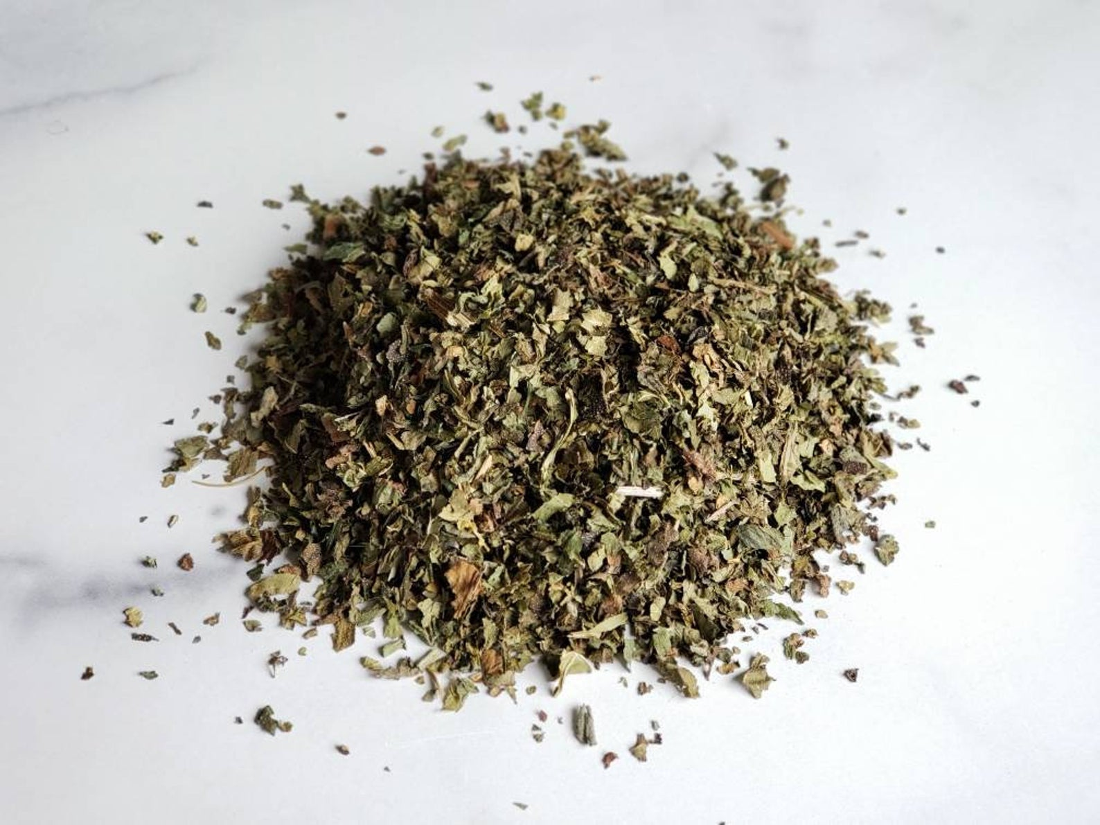 Comfrey Leaves (Symphytum Officinale) Cut and Sifted 1/2 Oz