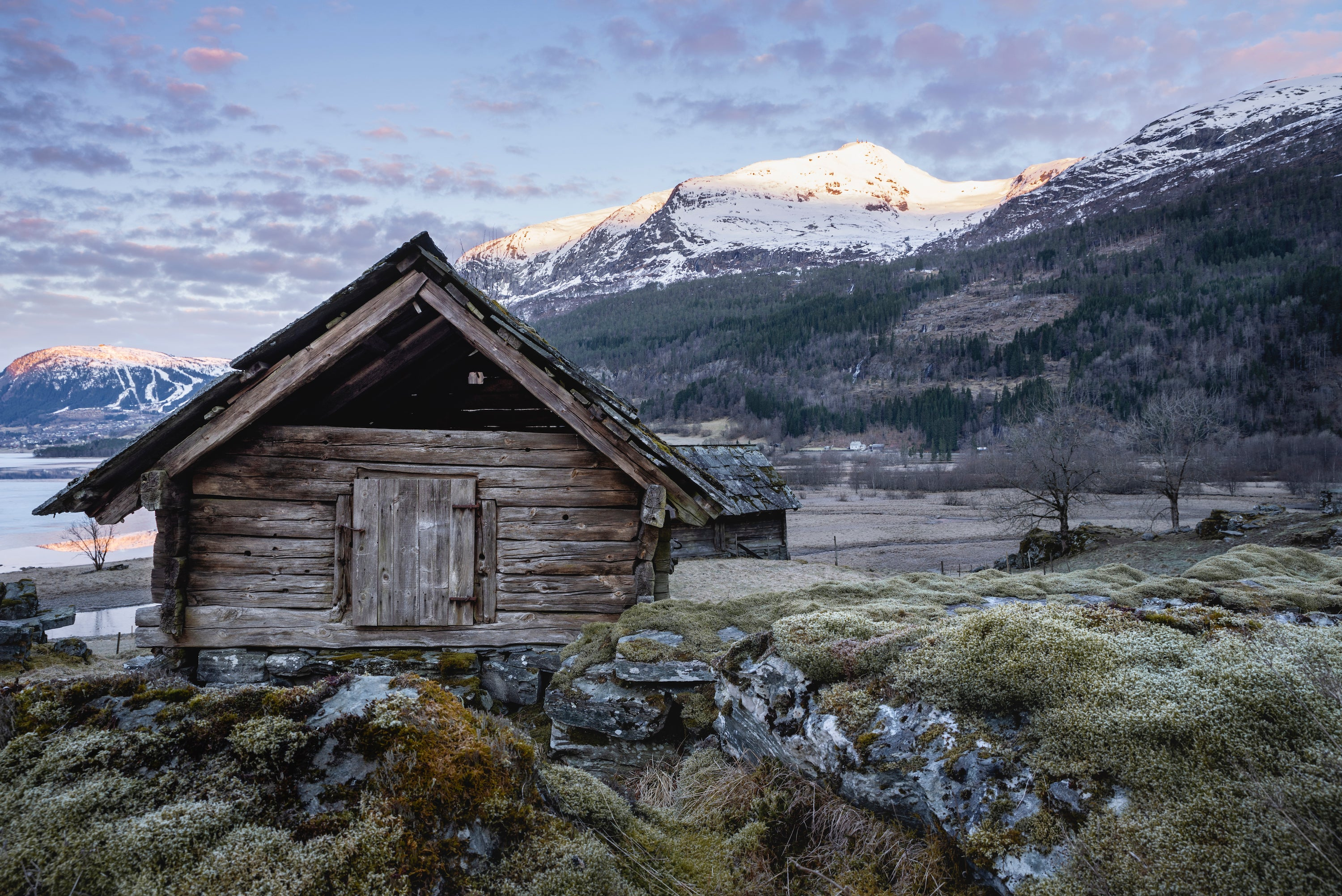 aperture examples of a cabin in norway