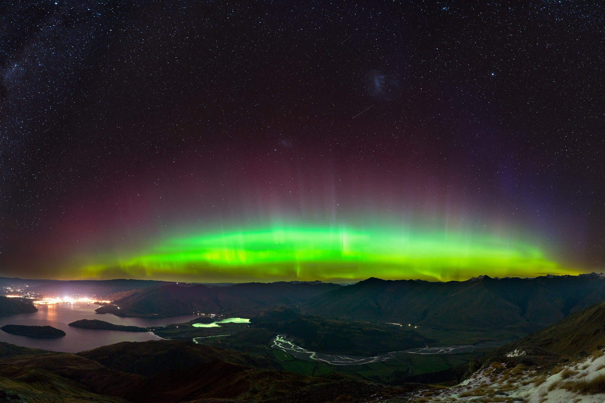 Southern Lights green and pink new zealand