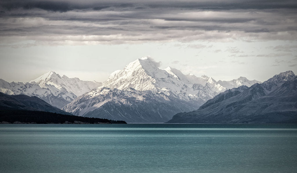 New Zealand photography. Mt Cook. Photo by Simon Markhof