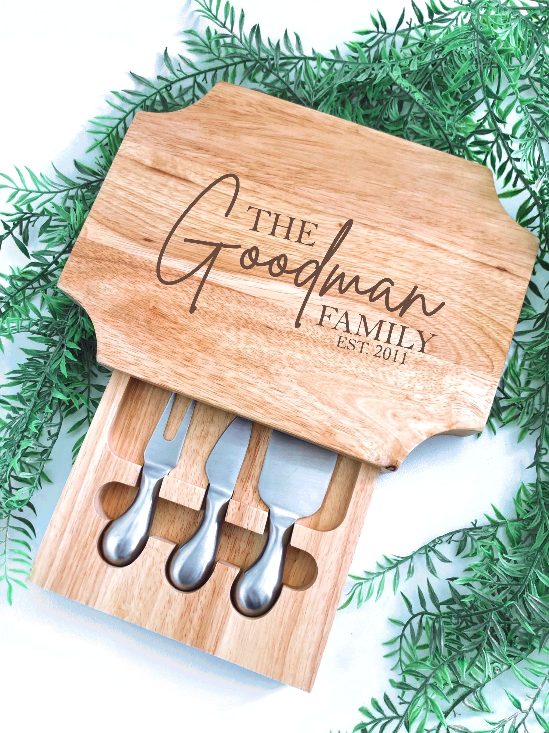 Wooden cheese serving set