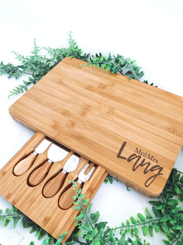 Large serving board + knife set