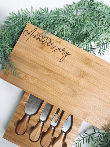 Bamboo serving board + knife set