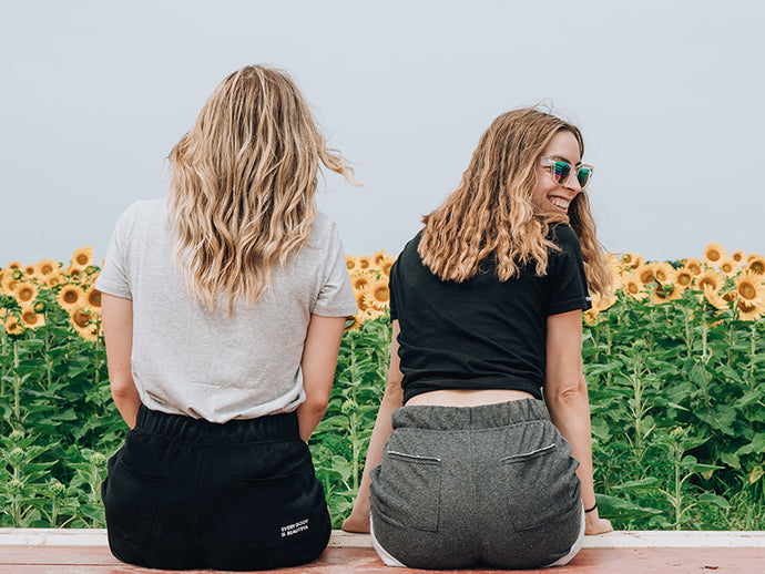 What a Healthy Female Friendship Looks Like And How to Make It Happen