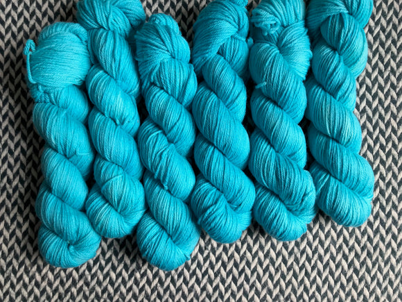 THE LIFE AQUATIC -- Brooklyn Bridge worsted weight yarn -- ready to ship