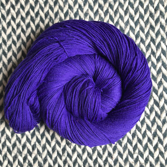 IRIS IRRADIE -- Times Square merino/nylon sock yarn -- ready to ship