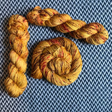 QUEEN BEE -- Brooklyn Bridge worsted weight yarn -- ready to ship