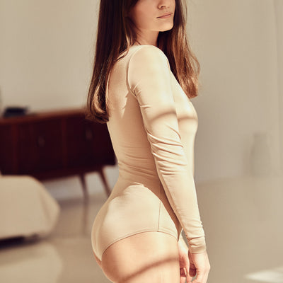 The BASIC Bodysuit with long sleeve | Nude - NALU