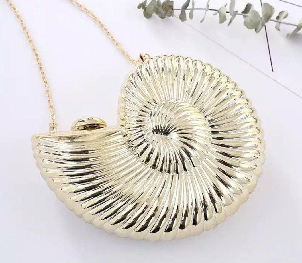 Uma's Magical Seashell Handbag,addison-s-addictions-handbags-accessories-2