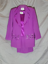 Load image into Gallery viewer, Le Boss 3 piece Skirt, Jacket, Blouse (16)