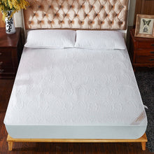 Load image into Gallery viewer, Super Waterproof Quilted Mattress Cover Air-Permeable Bed Protector Pad Cover Queen Mattress Topper Not Including Pillowcase