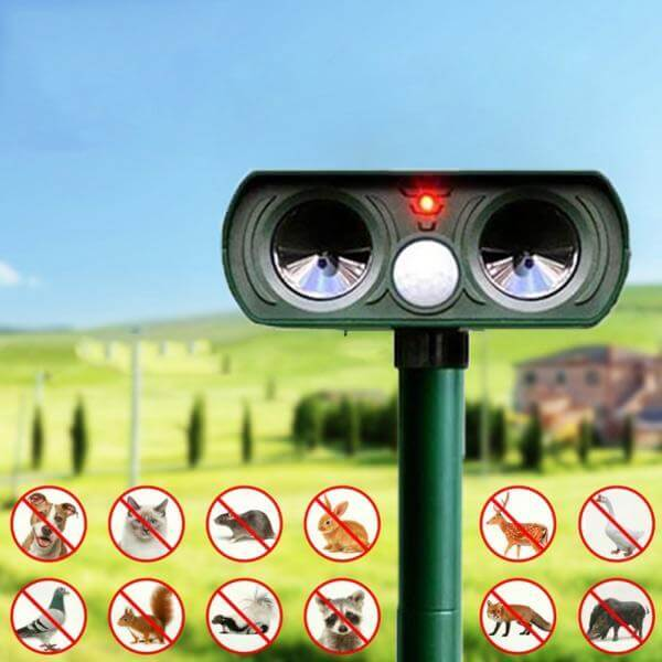 Wide Range Solar-Powered Animal Repeller For Dog Cat Deer Rabbit