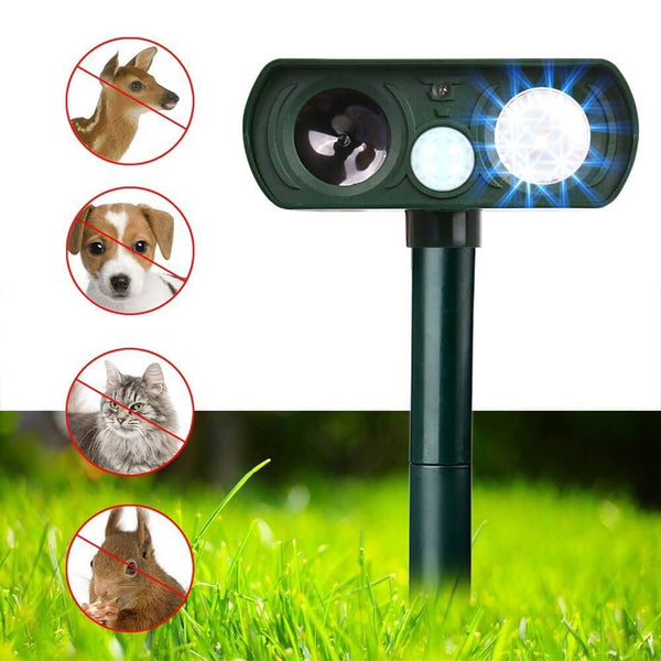 LED And Ultrasonic Waterproof Animal Pest Repeller Outdoor Solar Powered