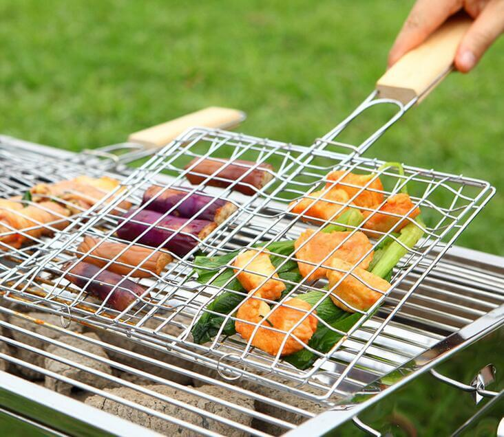 BBQ Barbecue Grilling Fish Basket With Wooden Handle