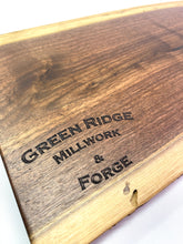 Load image into Gallery viewer, Live edge cutting board