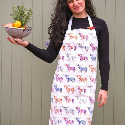 Hairy Coo Highland Cow Apron & Brooch Giftset