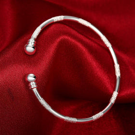 Bevellier Bracelets Shimmer Dust Bangle in 18K White Gold Plated