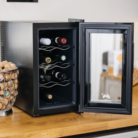 ovation-wine-bottle-and-drinks-thermoelectric-cooler-fridge-vertical-black
