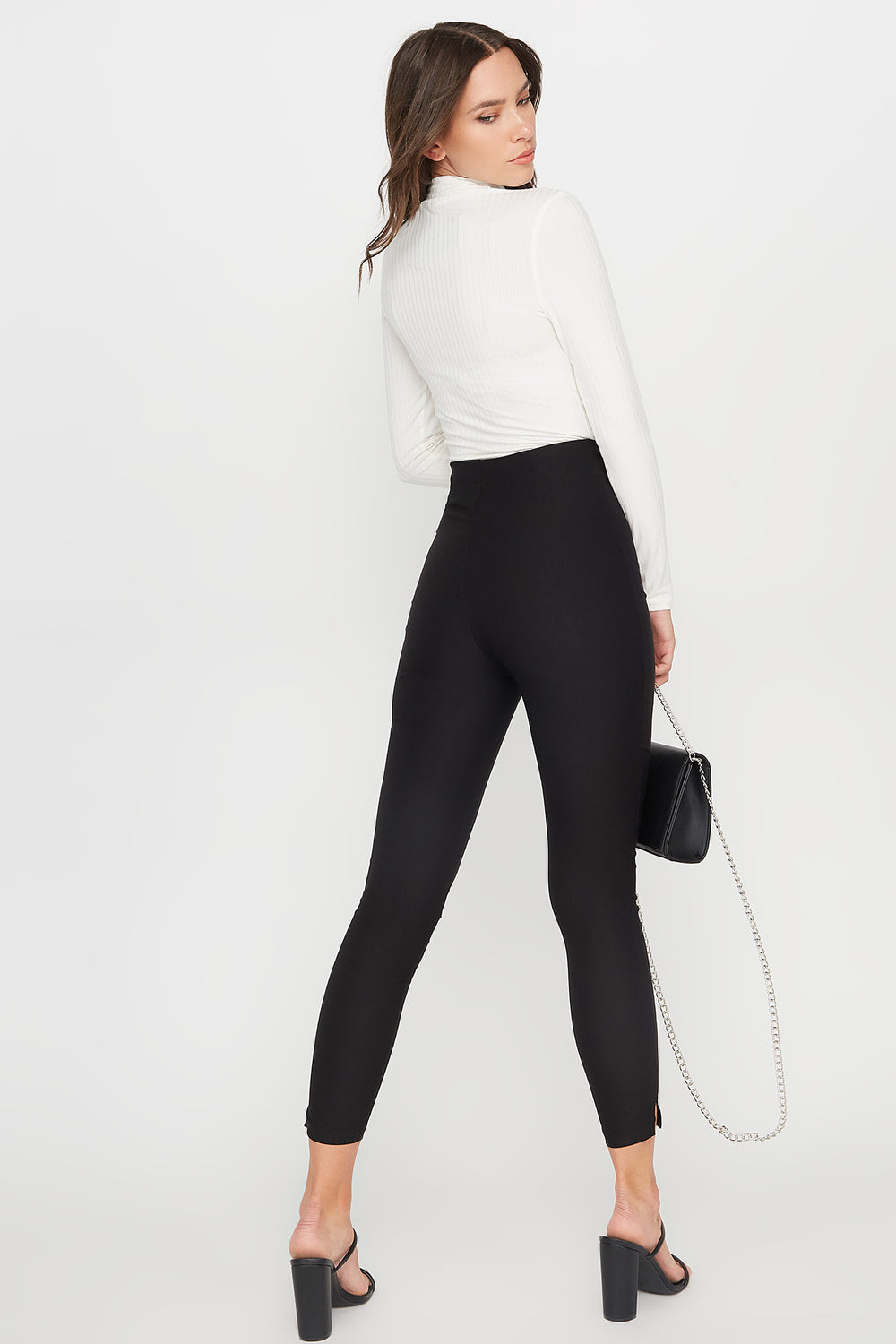 High-Rise Skinny Pant Black