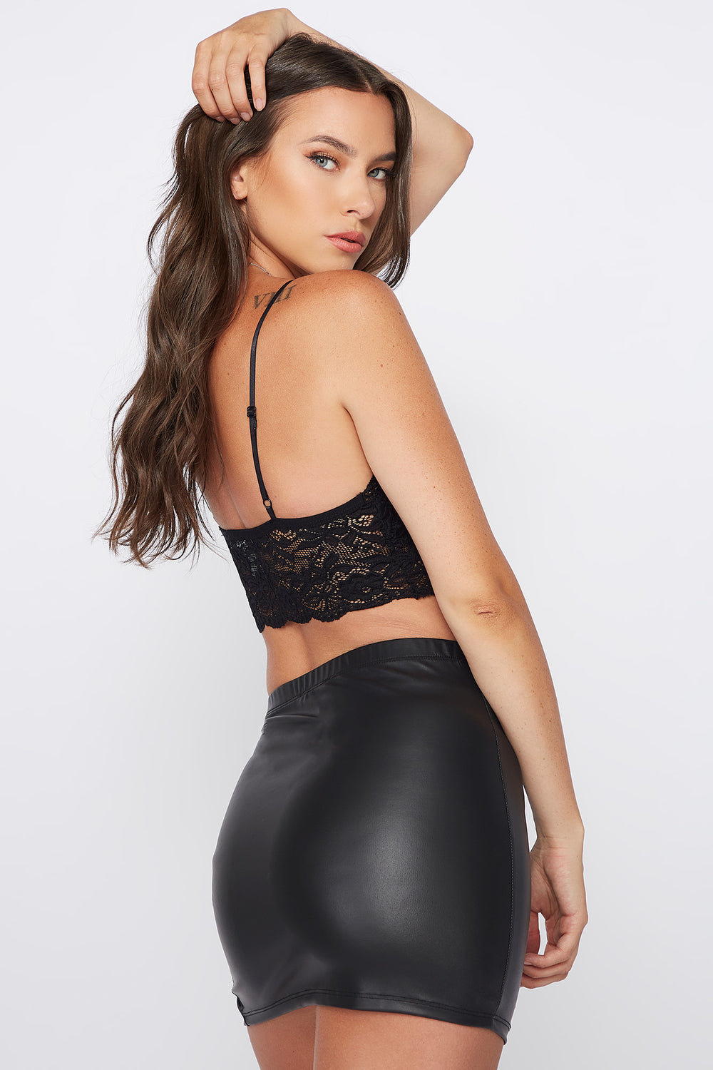 V-Neck Lace Scallop Bralette Black
