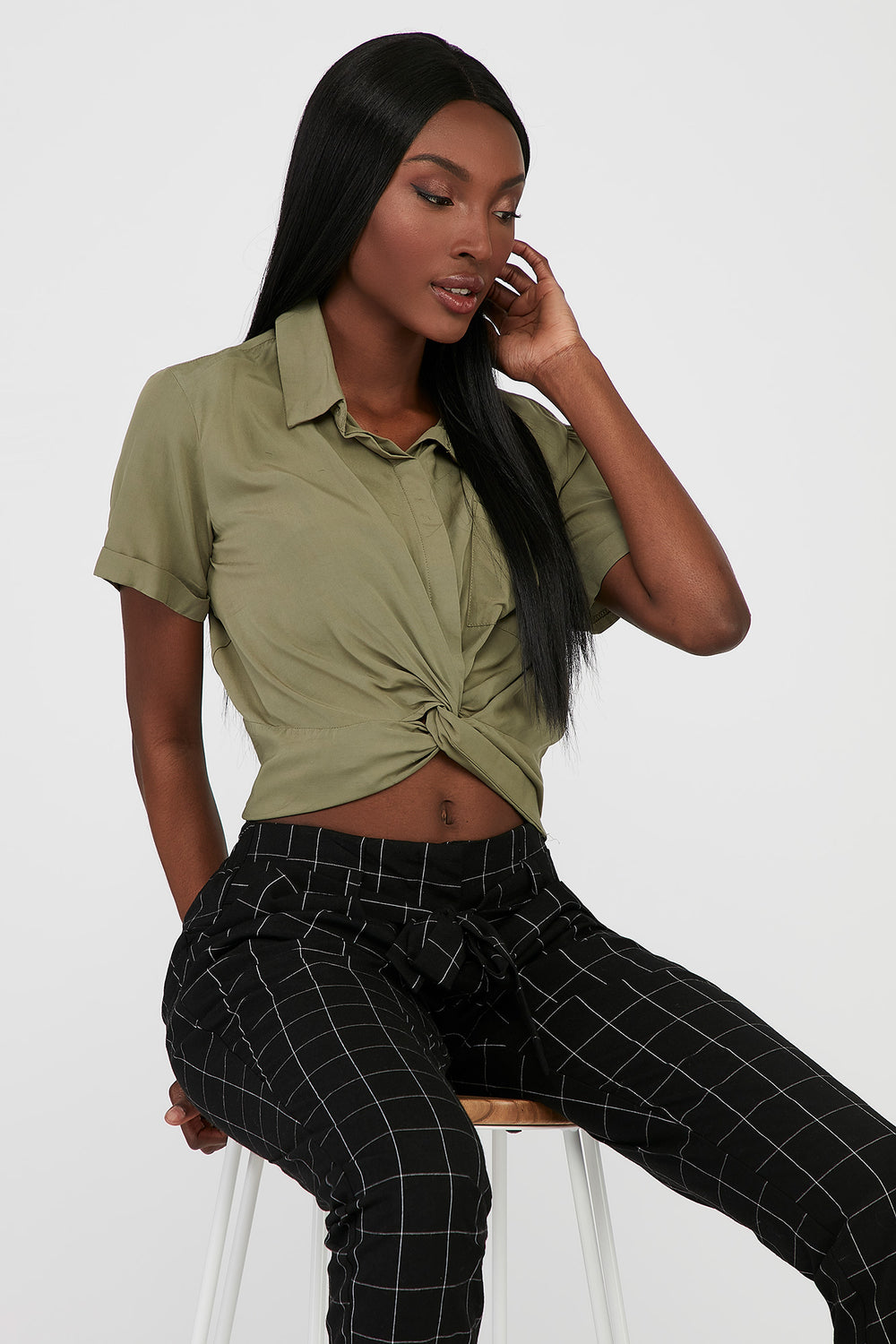 Front Twist Button-Up Cropped Short Sleeve Shirt Green
