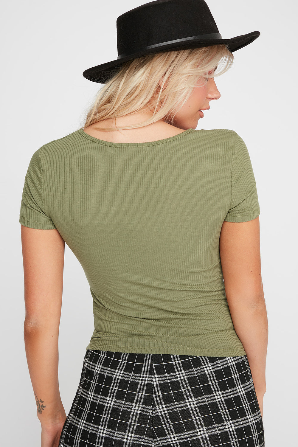 Ribbed Button T-Shirt Green