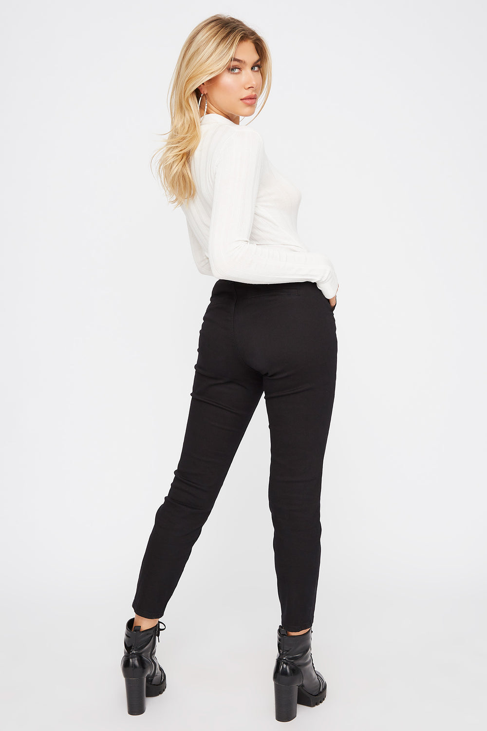 Cropped Belted Chino Pant Black